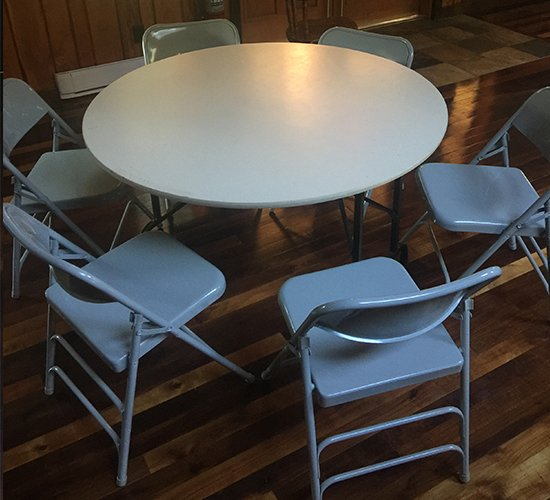 Steelhead-Hall-Rental-Round-Tables
